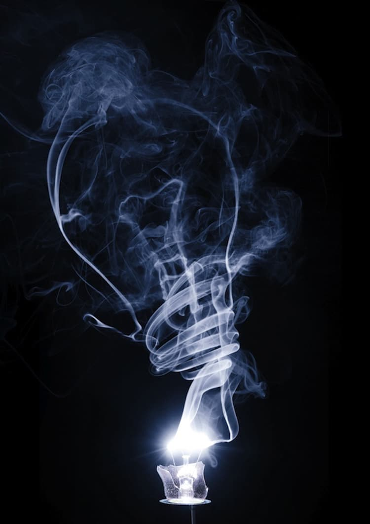 13-shape-shifting-smoke-art