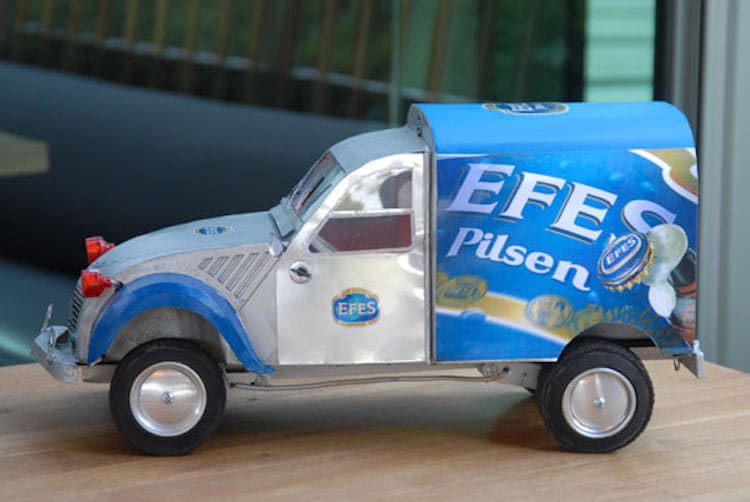 3-efes-pilsen-beer-can-sculpture