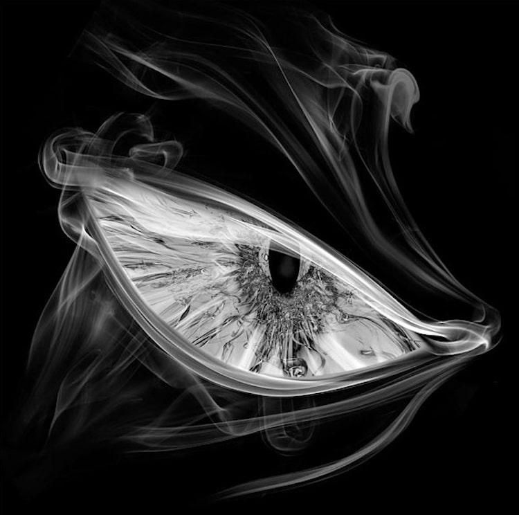 5-shape-shifting-smoke-art
