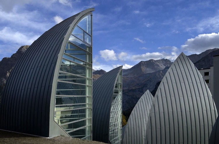 Beautiful swiss architecture echoes its natural landscape for Architecture suisse