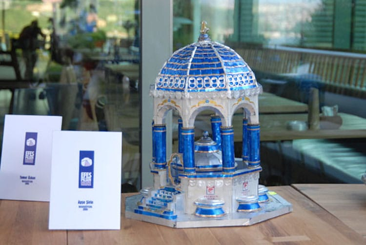 9-efes-pilsen-beer-can-sculpture