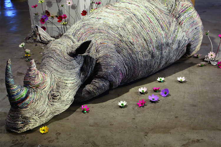 Read more: Artist Tightly Rolls Newspaper to Craft Incredibly Detailed Animal Sculptures