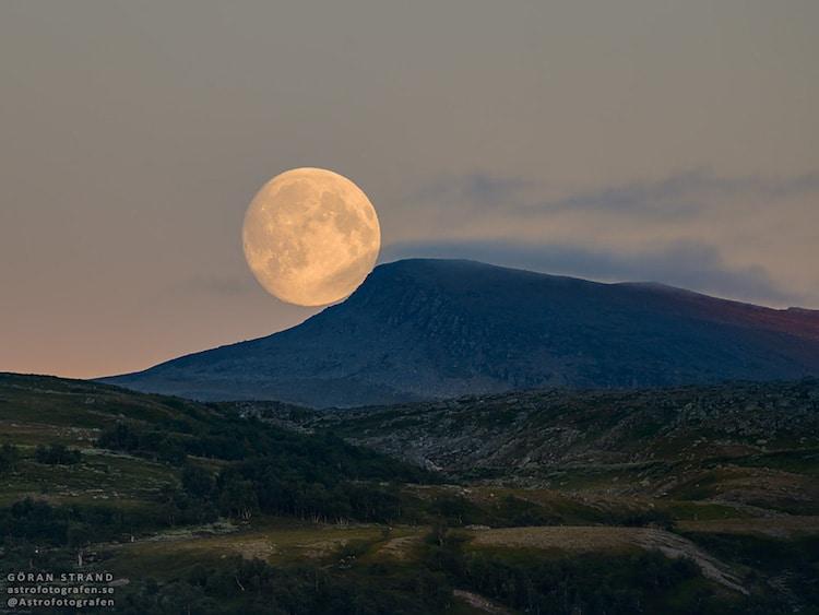 göran strand astrophotography moon