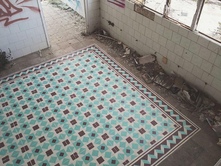 Tile Floors Spray Painted to Look Like the Real Thing - My Modern Met