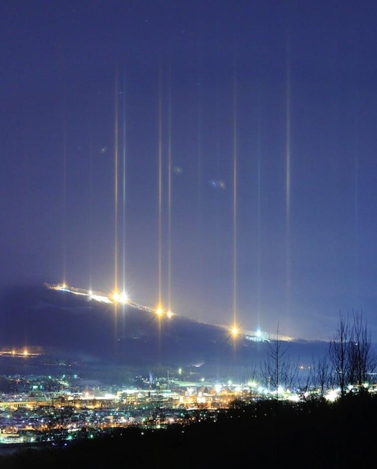ay-callaghan-light-pillars-2