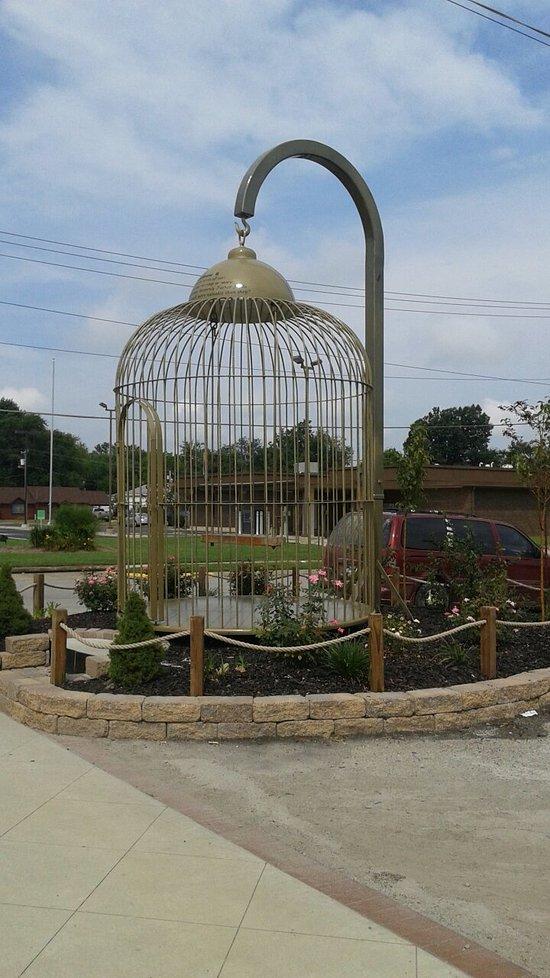giant birdcage in casey, Illinois