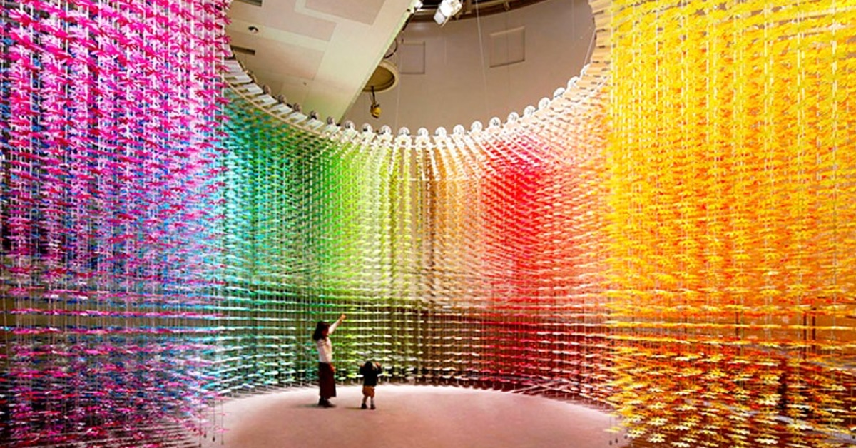More than 25,000 Paper Flowers Used in Colorful Installation