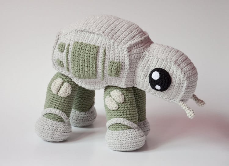 Krawka At-At crochet pattern star wars