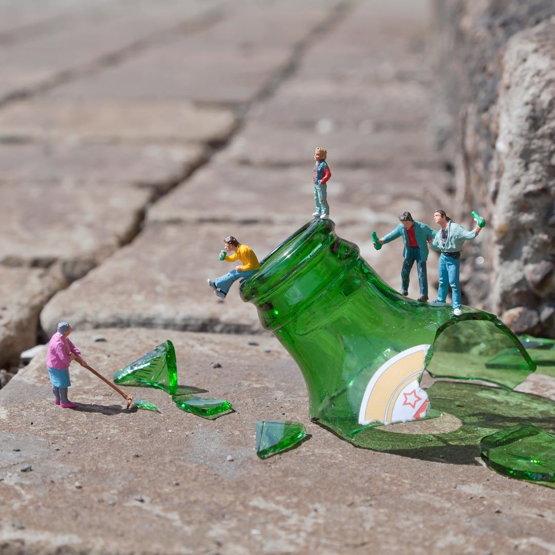 Slinkachu street art - 15 Playful Street Artists