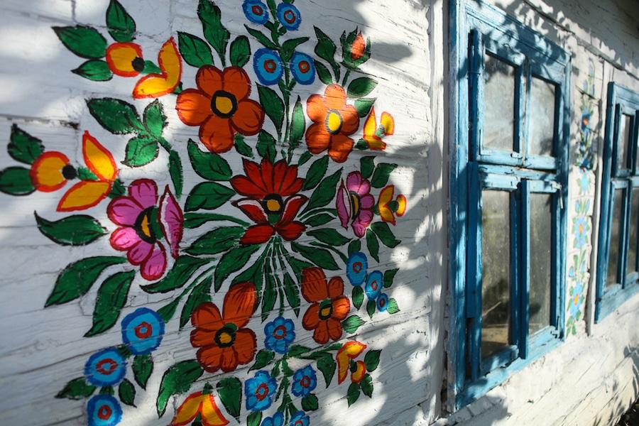 Zalipie pueblo pintado con flores Polonia arte popular