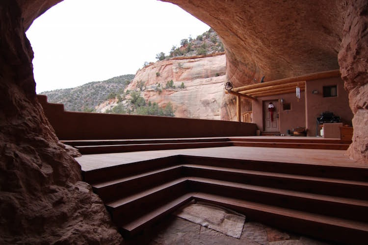 Cliff Haven Remote Utah House Built into Red Rock