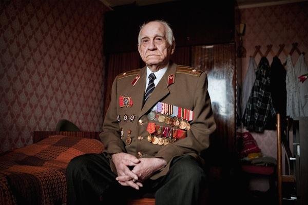 elderly-wwii-veterans-konstantin-suslov-10