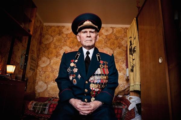 elderly-wwii-veterans-konstantin-suslov-11