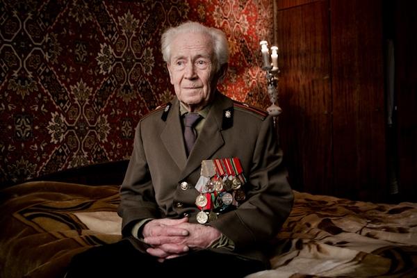 elderly-wwii-veterans-konstantin-suslov-12