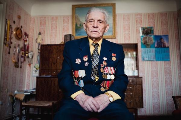 elderly-wwii-veterans-konstantin-suslov-14