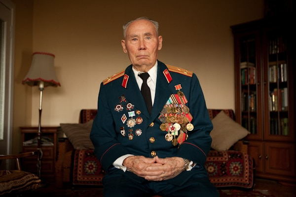 elderly-wwii-veterans-konstantin-suslov-3