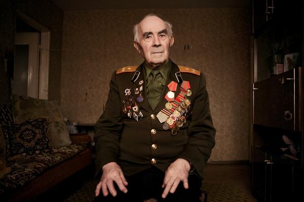 elderly-wwii-veterans-konstantin-suslov-8
