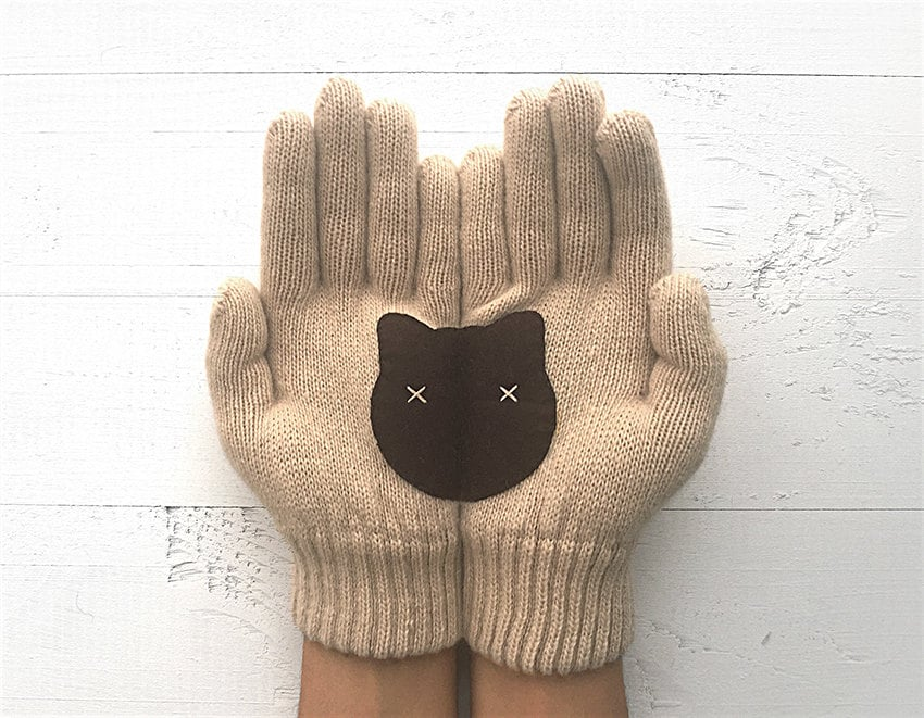 Cute Gloves Reveal Unexpected Images When Placed Together