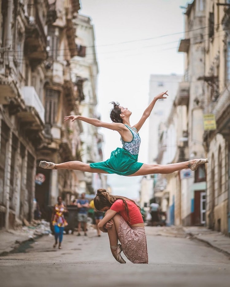 Dance Photographers Who Capture the Movement of Dancers omar robles