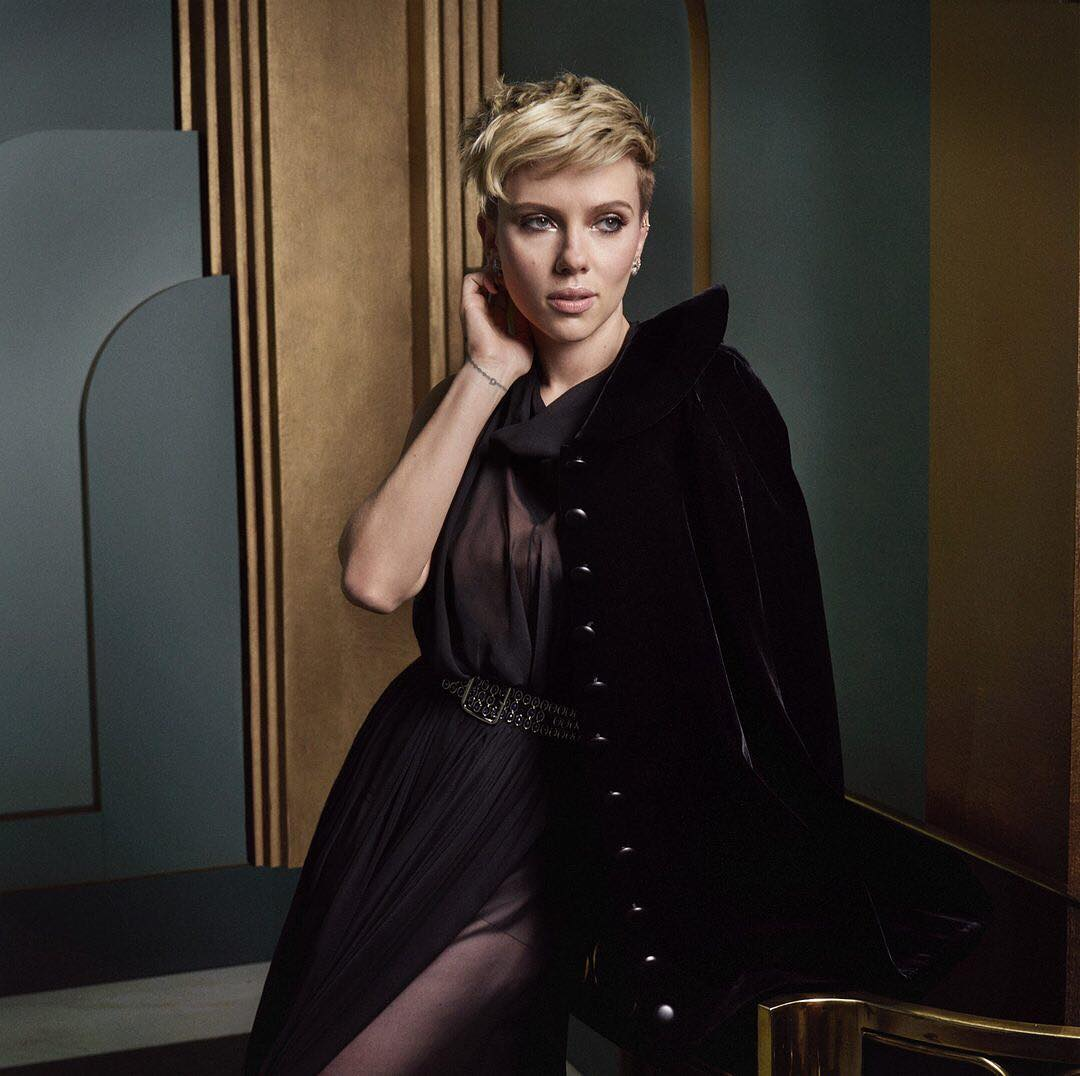 Scarlett Johansson at the Vanity Fair Oscar Party Portraits