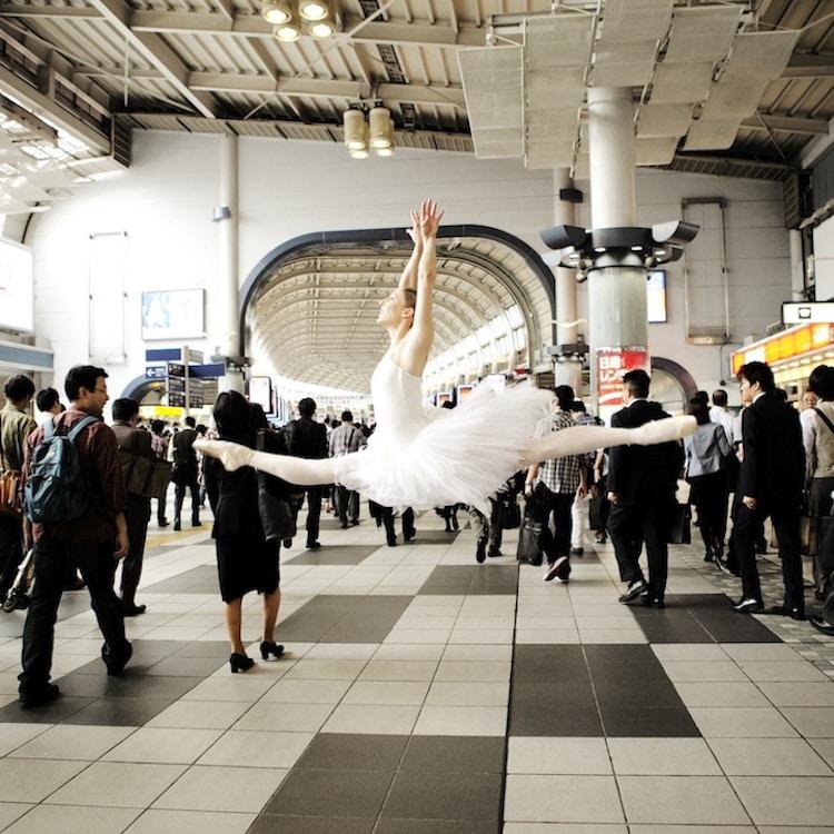 Dance Photographers Who Capture the Movement of Dancers lisa tomasetti