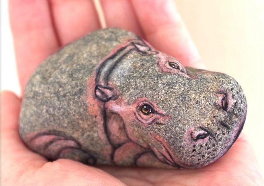 akie nakata stone animal paintings rock art