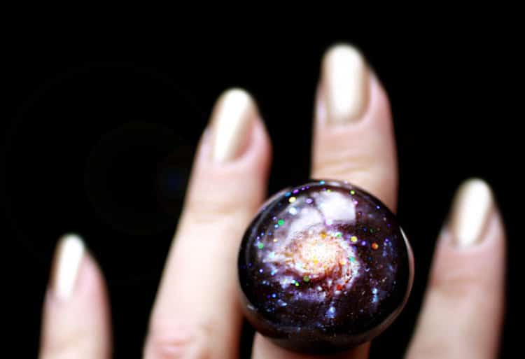 Glittering Galaxy-Inspired Jewelry Captures the Splendor of the Cosmos