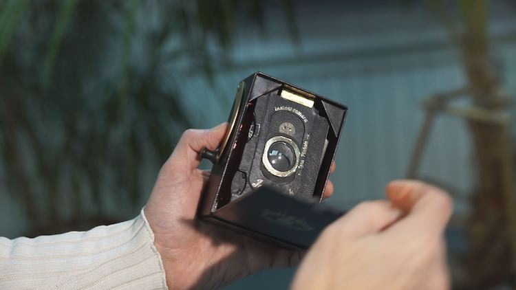 Vintage-Inspired Jollylook is World's First Fold-Out Camera Made of Cardboard