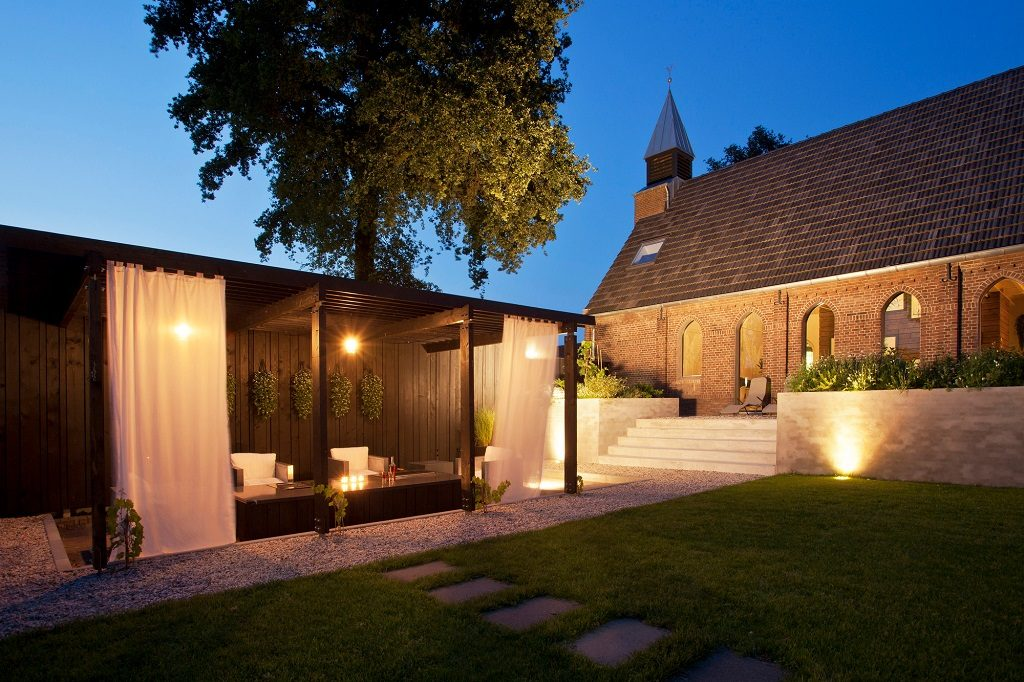 17 churches creatively converted into modern homes