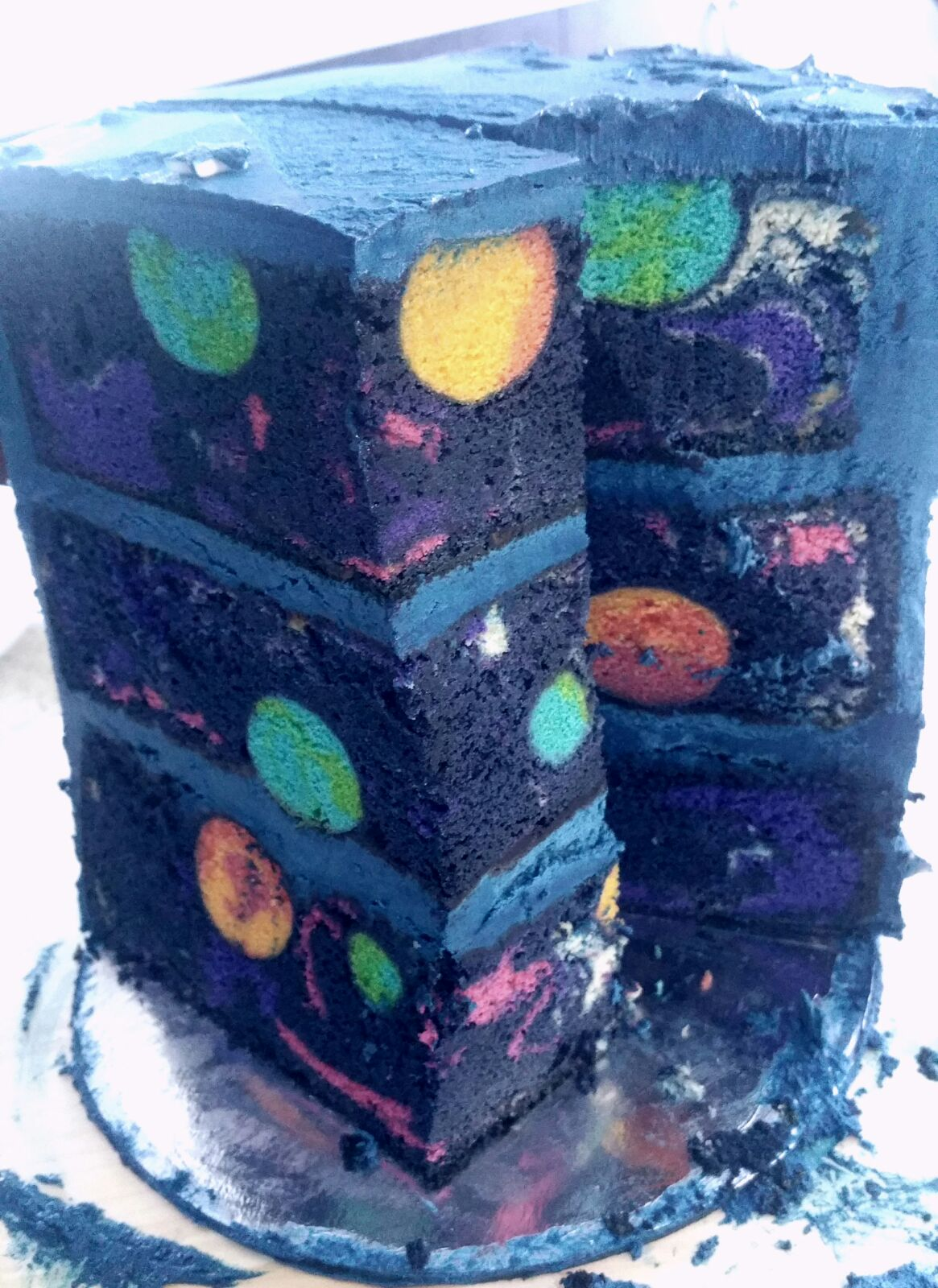 Space Birthday Cake Reveals an Out-of-This-World Surprise When Sliced