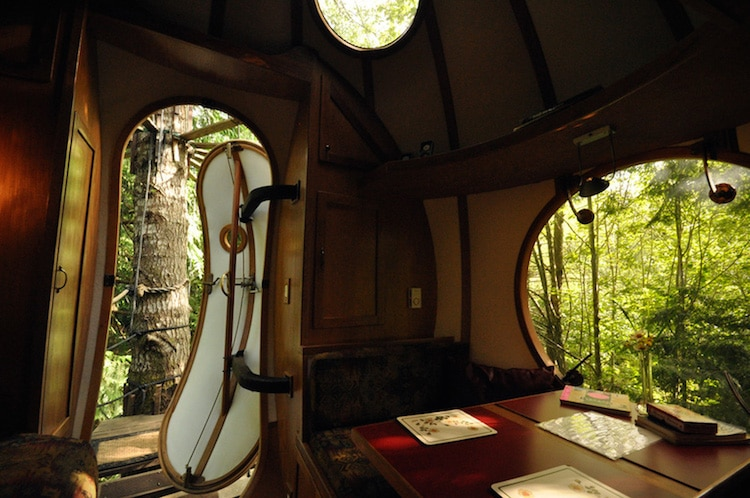treehouses for grown-ups round treehouse Free Spirit Spheres