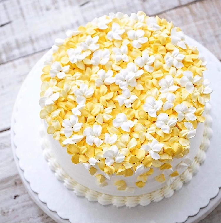 Buttercream flower cakes are a delicious way to welcome spring flower cake mightylinksfo