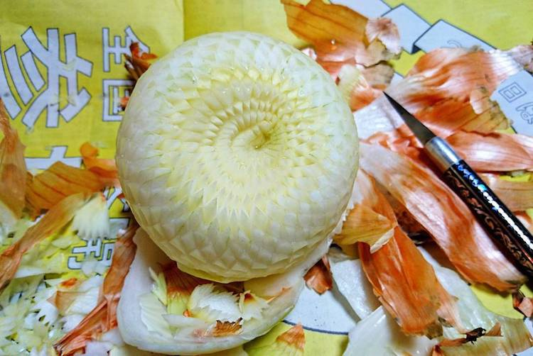 artistic food carving