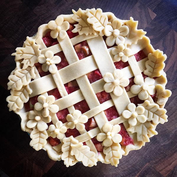 Strawberry Rhubarb Pie by Hungry Rabbit