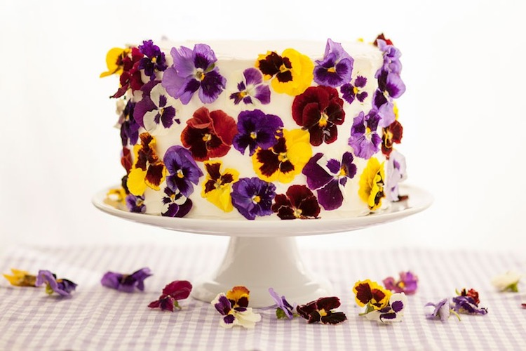 Edible Cake Decoration Flowers : Edible Flower Cakes Let You Enjoy Beautiful Blooms in ...
