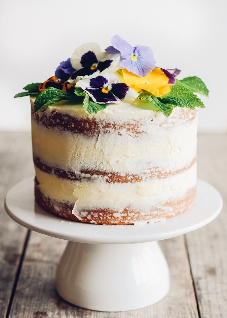 Edible Real Flowers For Cake Decorating : Edible Flower Cakes Let You Enjoy Beautiful Blooms in ...