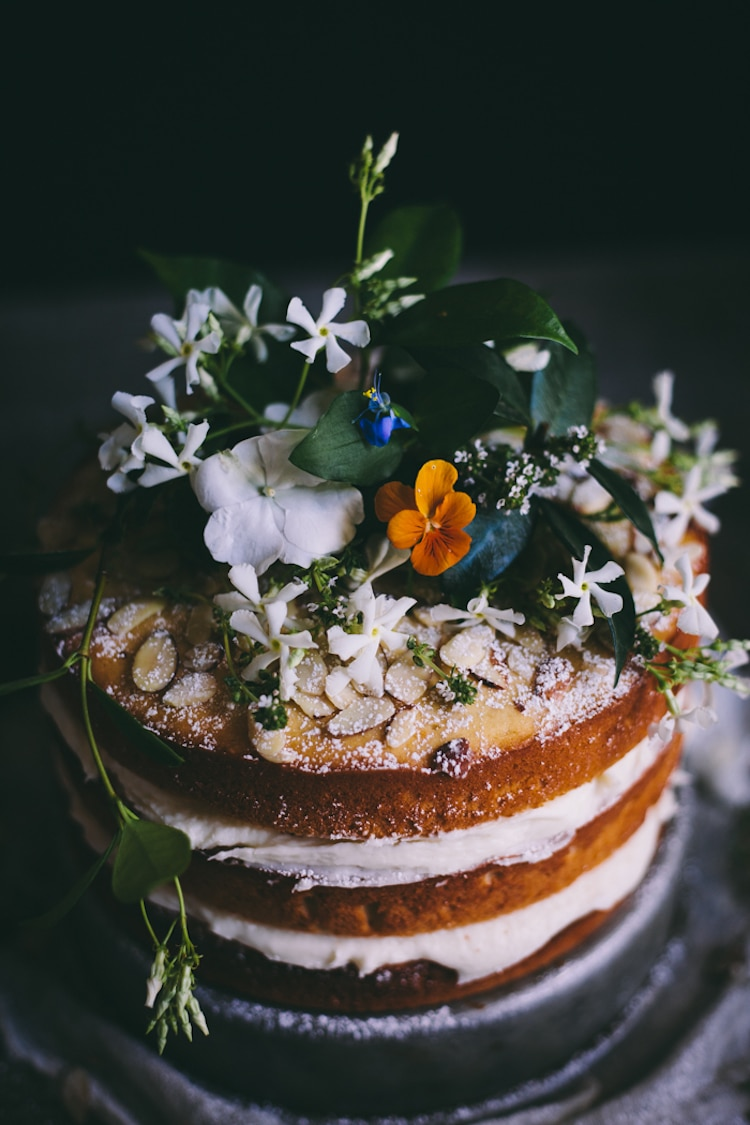 Edible Flowers on Cakes