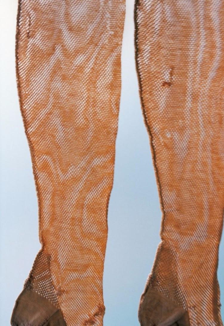 armario de frida kahlo ropa medias de frida kahlo