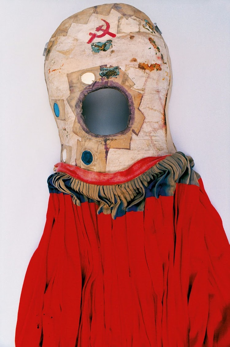 armario de frida kahlo ropa
