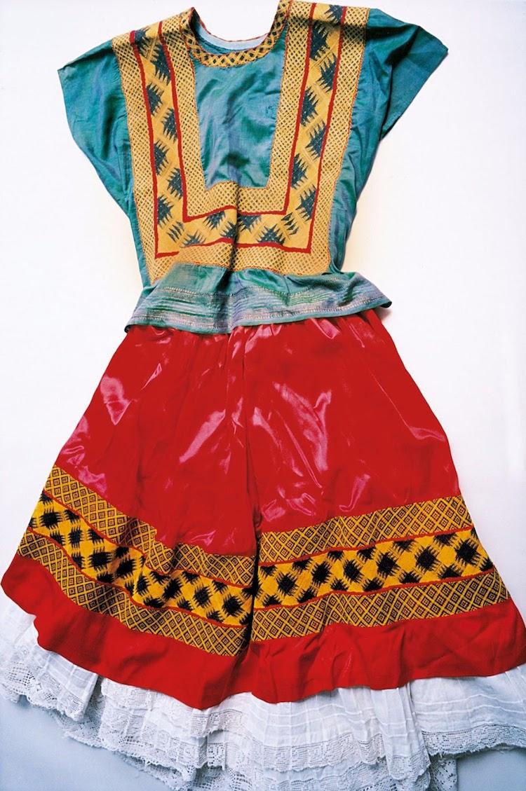 armario de frida kahlo ropa vestido de frida kahlo