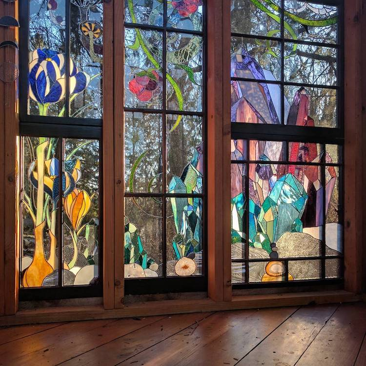 Cabin Glass Window : Spectacular stained glass cabin offers a magical lens to