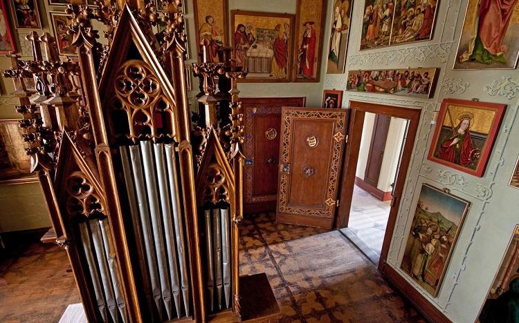 Lichtenstein Castle inside