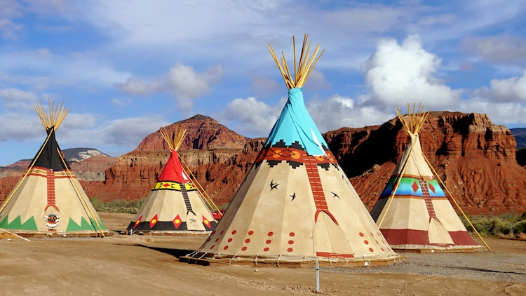 teepee native american dwelling