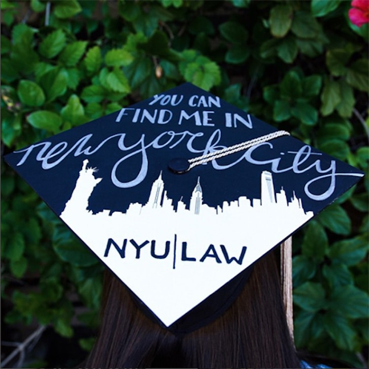 Birretes de graduación decorados