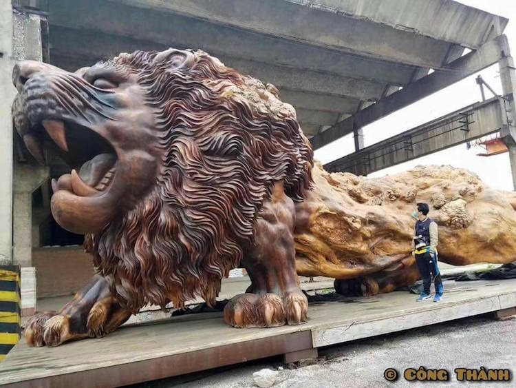 Giant carved lion is world s largest sculpture made from