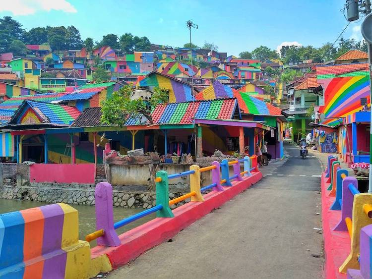 Rainbow Art Kampung Pelangi