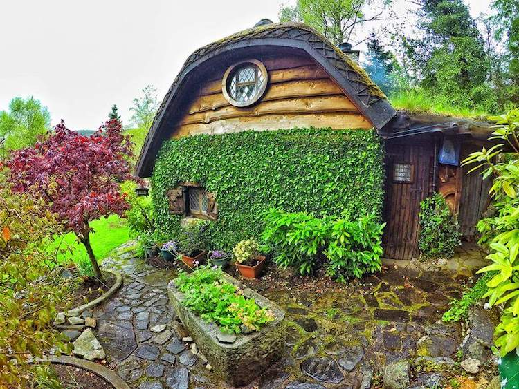 real life hobbit house imagines the fantastical book into a cozy home