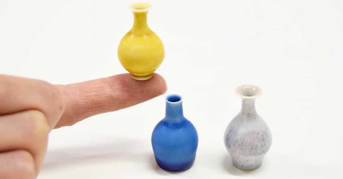 Small Ceramic Pots That Can Fit In The Palm Of Your Hand