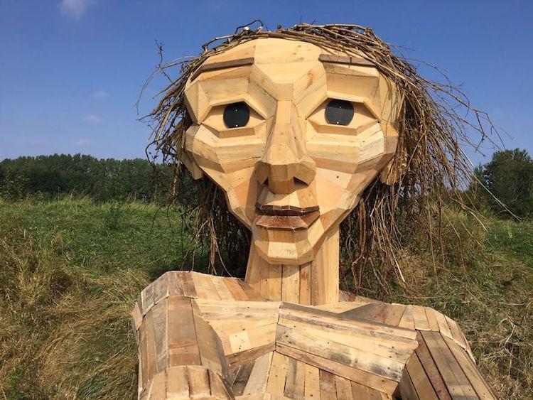 giant wood sculptures