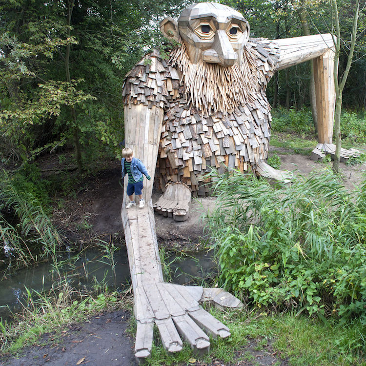 recycled art thomas dambo